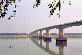 050207_06 きずな橋 Copy Right Mekong Country Phot...